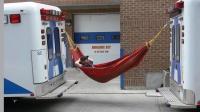 hammock_between_2_ambus