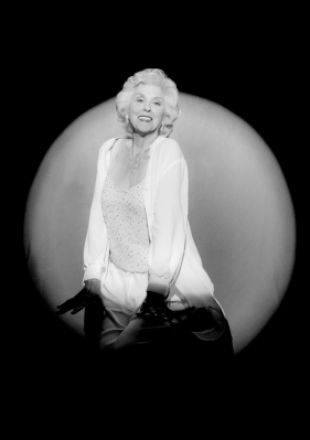 Nonnie Griffin as Marilyn - B&W by Yuri Dojc © - 720 x 1024